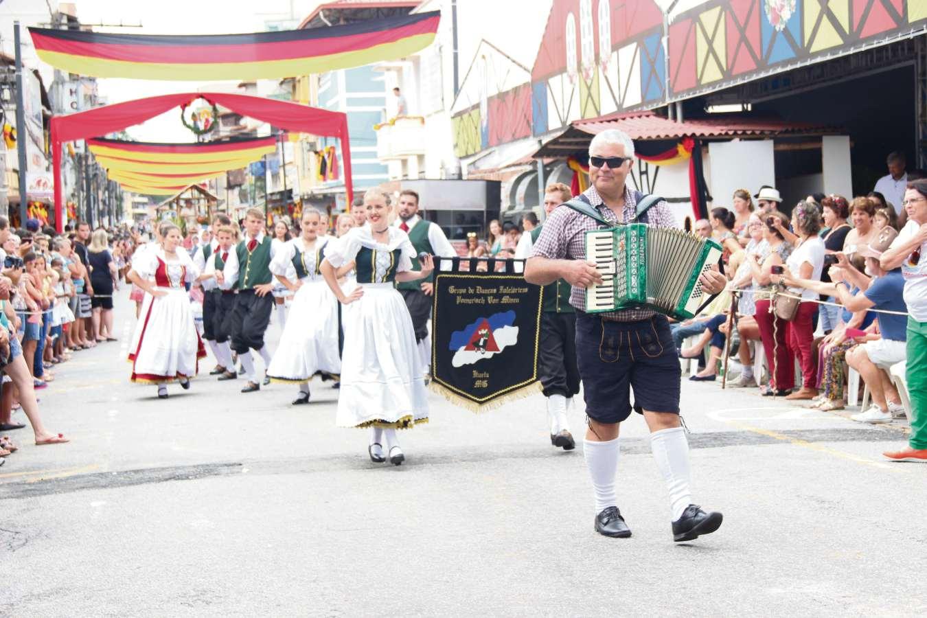 Desfile da Sommerfest, em Domingos Martins. Crédito: Divulgação/Prefeitura de Domingos Martins