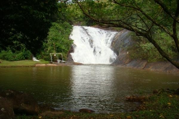 Cachoeira Rio do Meio, em Santa Leopoldina