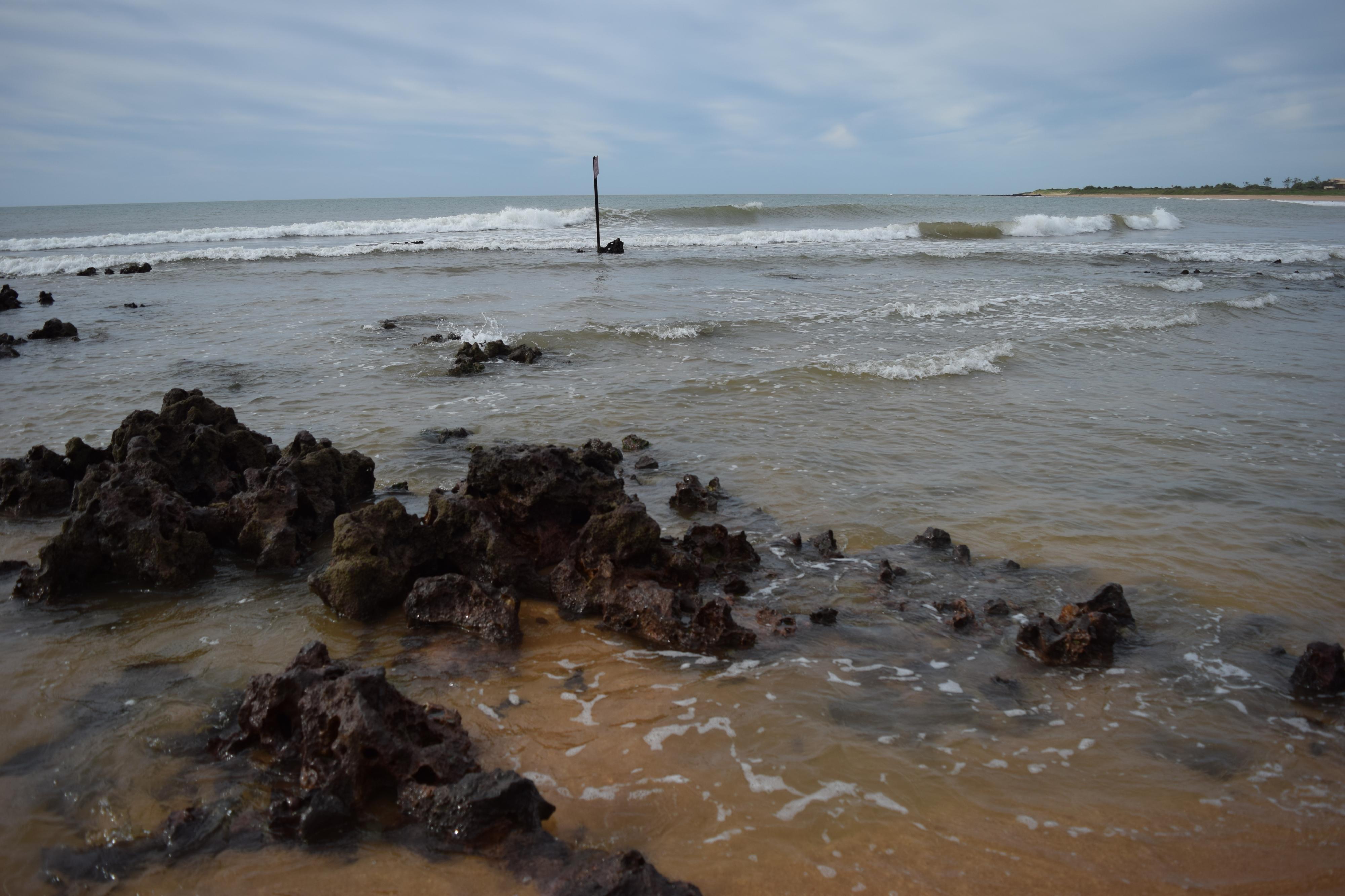 Praia dos Castelhanos, em Anchieta, Espírito Santo. Crédito: João Paulo Rocetti