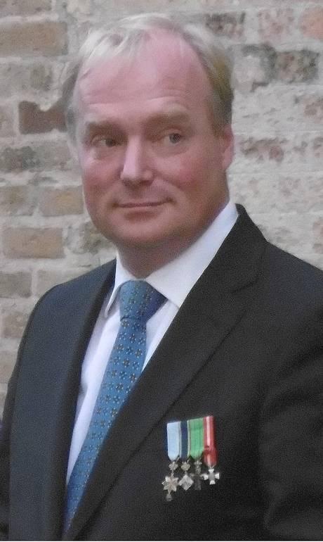 Príncipe Carlos de Bourbon, pai de Hugo Klynstra, que reivindica reconhecimento da realeza holandesa. Crédito: Reprodução/Web