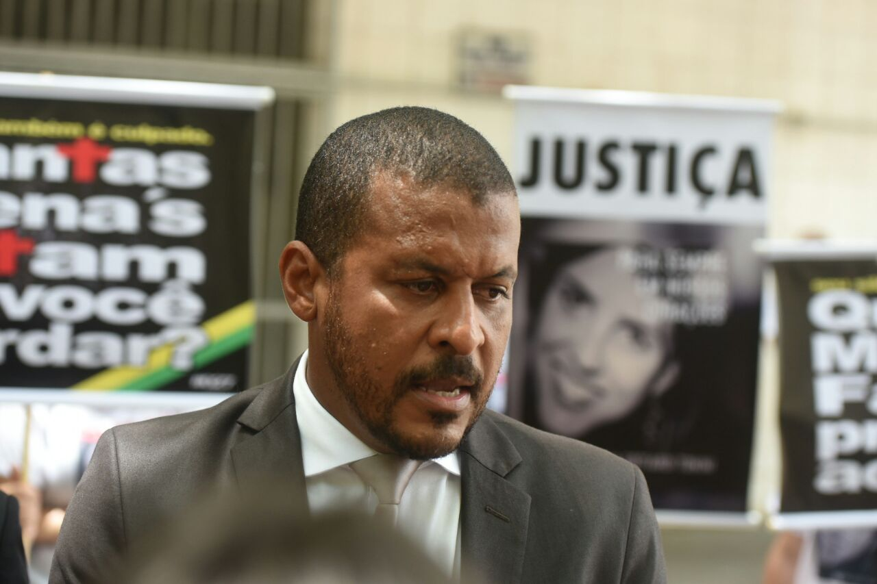 Advogado de defesa dos acusados Bruno e Dionatas, Leonardo Rocha. Crédito: Carlos Alberto Silva | GZ