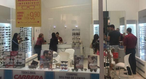 A ótica foi roubada por volta de 22h30, na noite desta segunda-feira (15), no Shopping Boulevard, em Vila Velha. Crédito: Arquivo Pessoal
