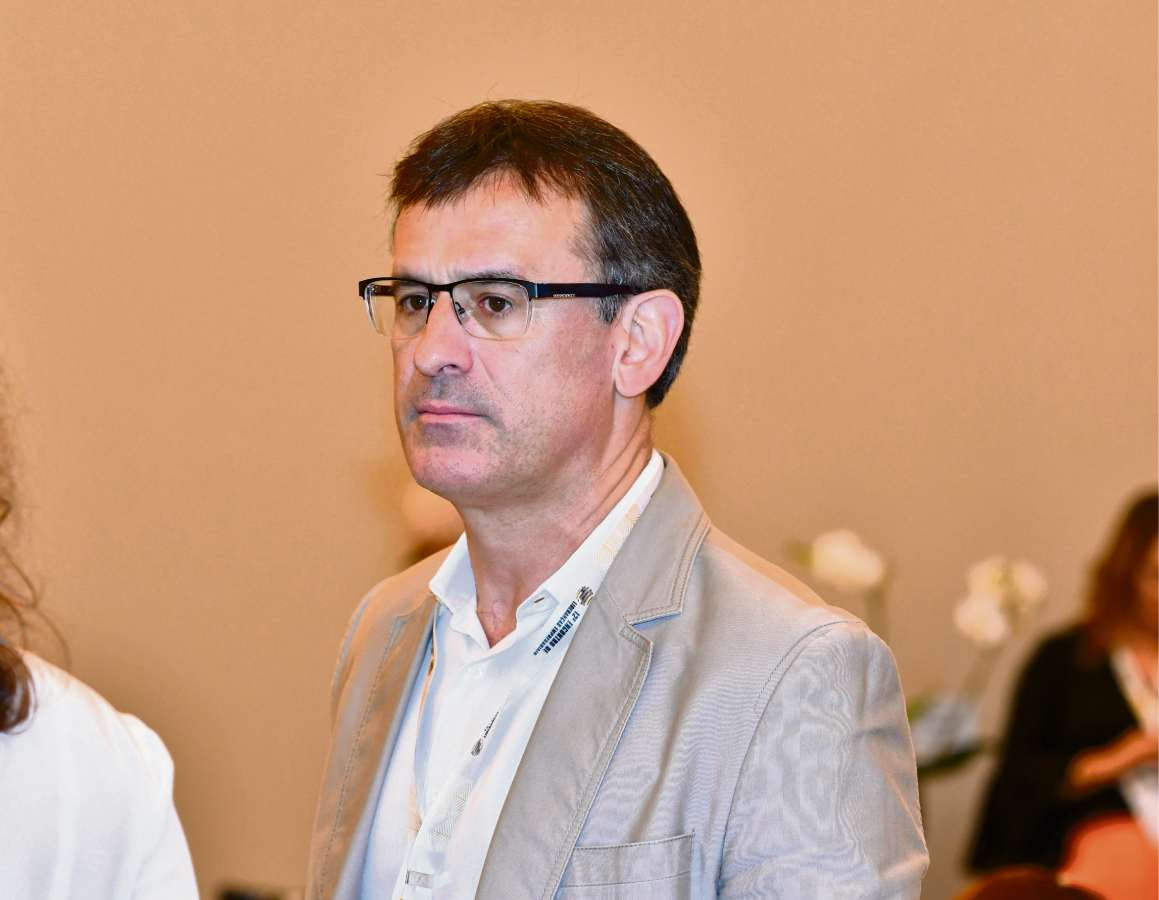 Michel Temer afasta 4 vice-presidentes da Caixa Econômica Federal