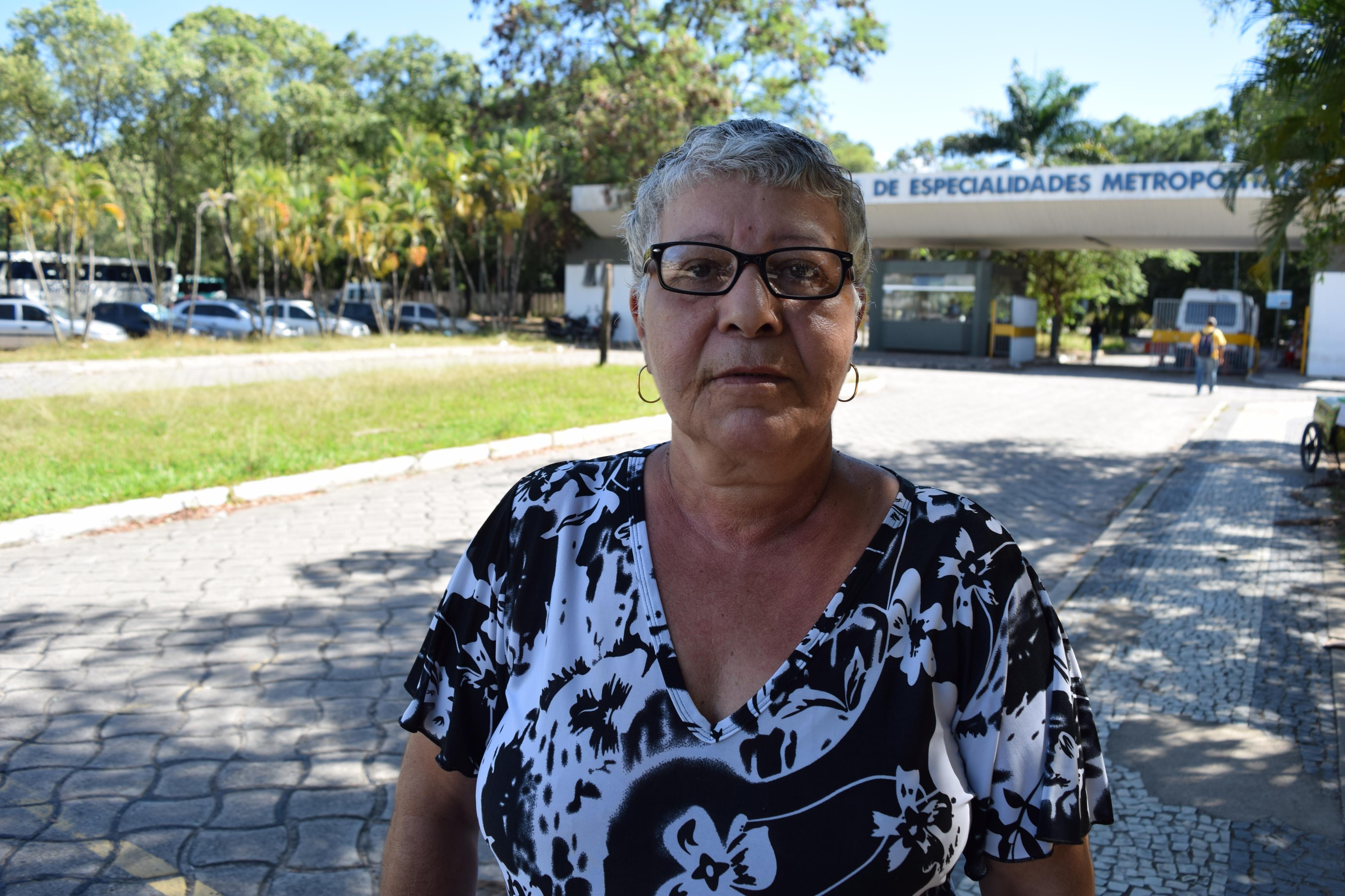 Maria Nilcéia esperou três anos por uma vaga com oftalmologista . Crédito: Kaique Dias
