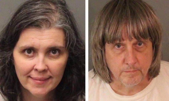 Pais foram presos sob acusações de tortura e ameaça à infância. Crédito: Riverside County SheriffENTITY_apos_ENTITYs Department