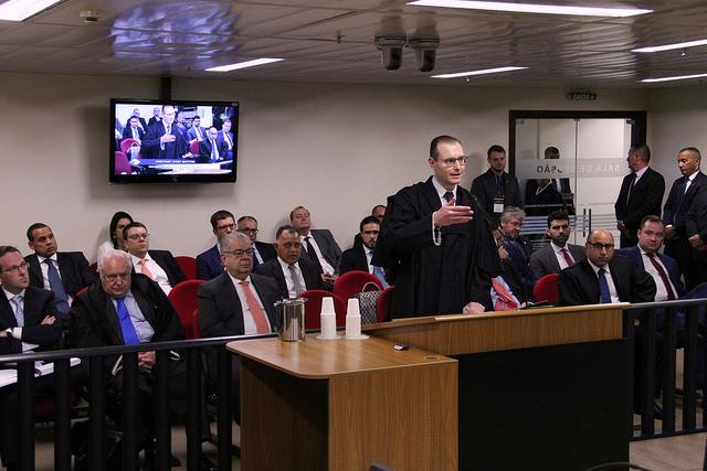 Cristiano Zanin Martins, advogado de defesa do ex-presidente Lula . Crédito: Sylvio Sirangelo/TRF4