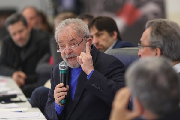 O ex-presidente Lula segue com vantagem mesmo após condenação
