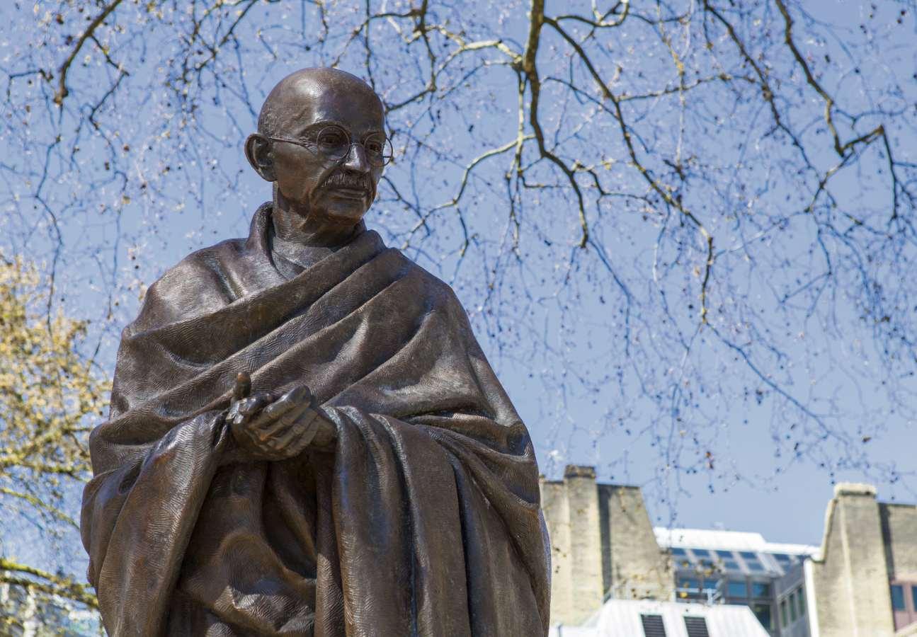 Mahatma Gandhi - estátua. Crédito: Shutterstock
