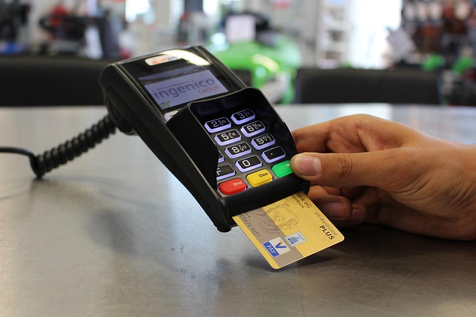 Crédito do setor público encolhe 6,5% em 2017