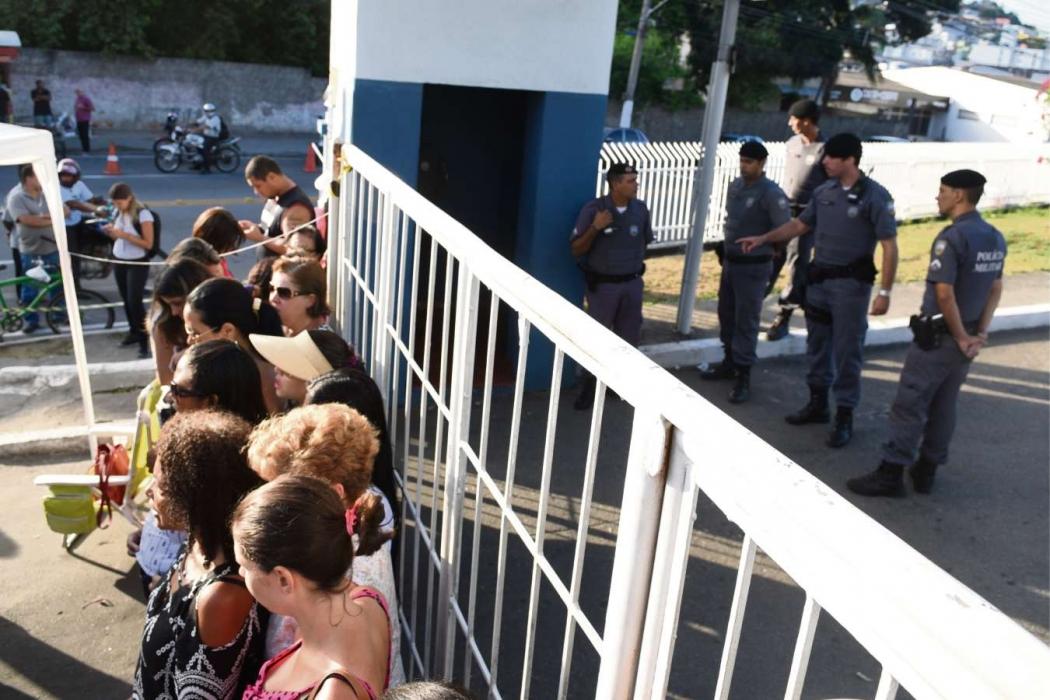 Policiais aquartelados durante greve de fevereiro de 2017. Crédito: Fernando Madeira