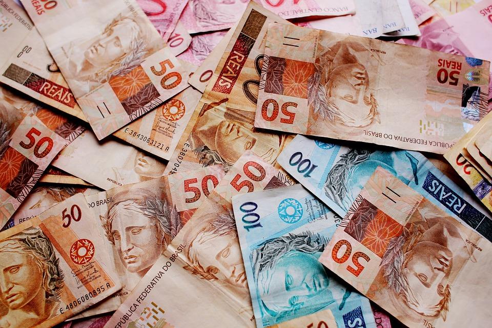 Governo bloqueia R$ 16,2 bilhões no Orçamento de 2018