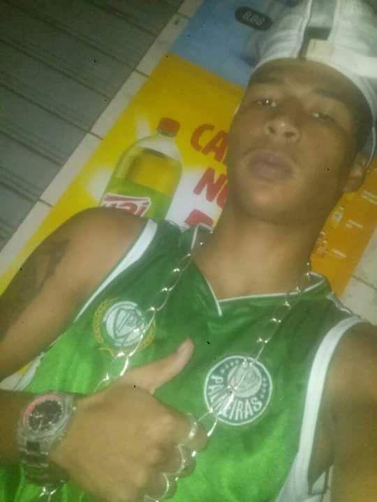 Rodrigo Santana da Conceição, de 20 anos, morreu no bairro Prolar, em Cariacica . Crédito: Arquivo Pessoal