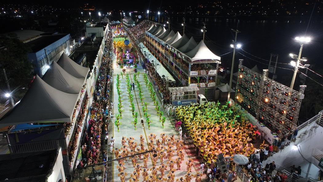 Imagens capturadas por drone no segundo dia de desfiles do Carnaval de Vitória 2018. Crédito: Secundo Rezende