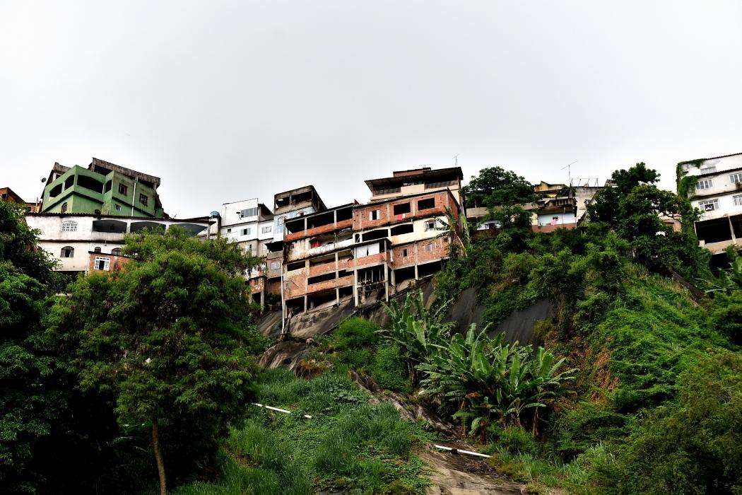 Alto do Caratoíra, em Vitória, tem alerta de deslizamentos de terra ou rochas. Crédito: Fernando Madeira | GZ