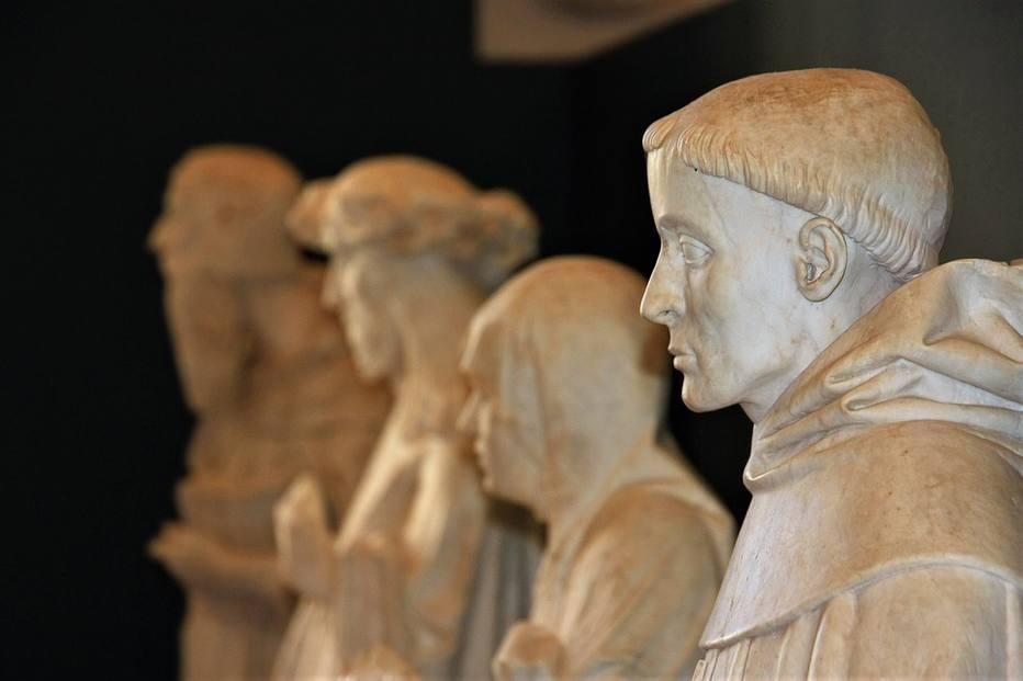 Cabeça de estátua na Itália foi arrancada após selfie. Crédito: Reprodução/Pixabay