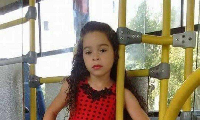 Menina de 7 anos morre ao fazer o desafio do desodorante