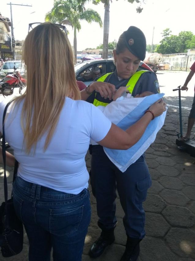 O bebê foi levado para a casa de acolhimento