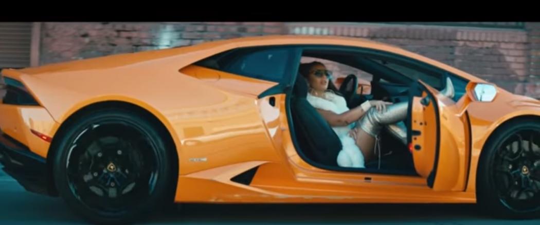 Elettra Lamborghini Se Lan 231 A Como Cantora E Faz Estreia