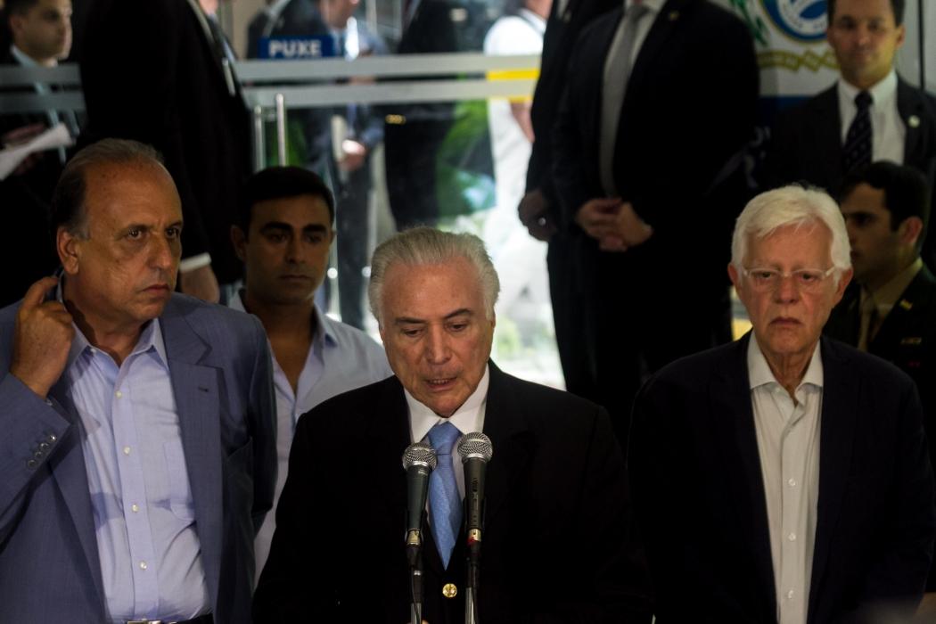 O  presidente Michel Temer se reuniu com o governo do Rio de Janeiro para  discutirem a Intervenção federal na cidade. A reunião aconteceu no Palácio Guanabara, Laranjeiras, zona sul. Crédito: Ellan Lustosa