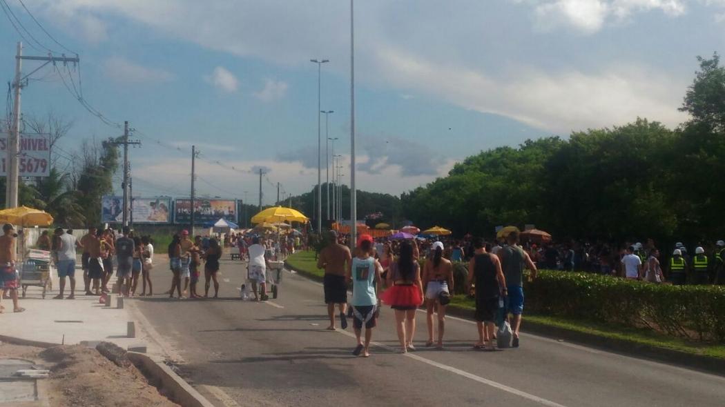 Bloco Kustelão arrasta foliões pela Avenida Norte Sul, em Vitória, neste sábado (17). Crédito: Siumara Gonçalves