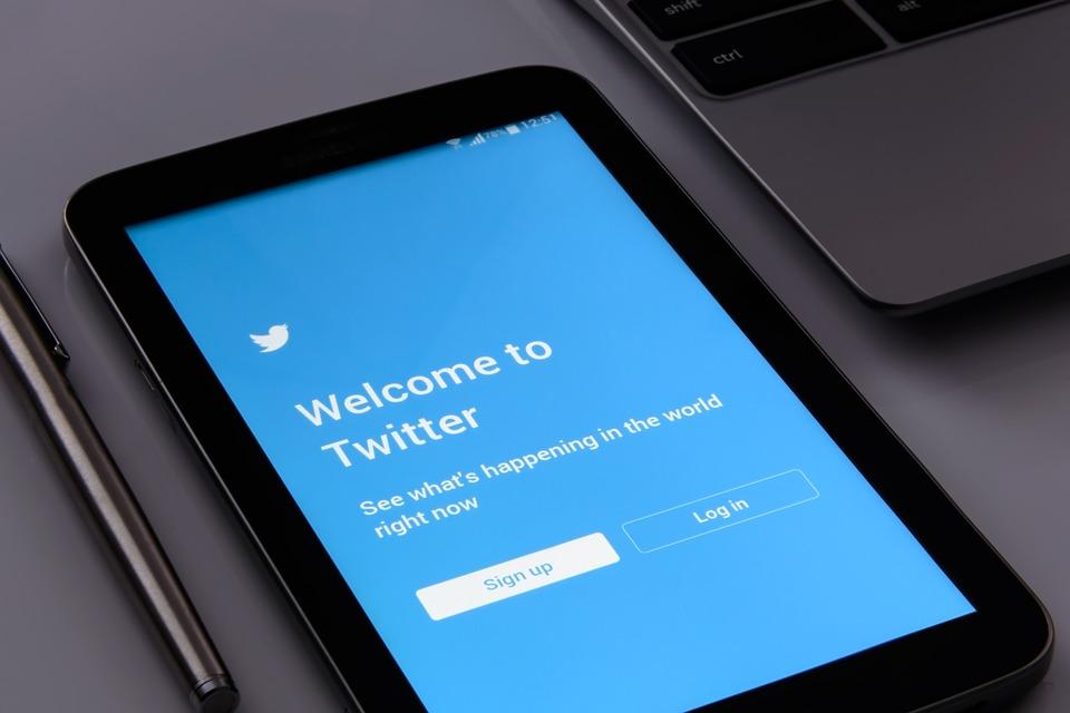 Twitter vendeu dados de usuários para Cambridge Analytica