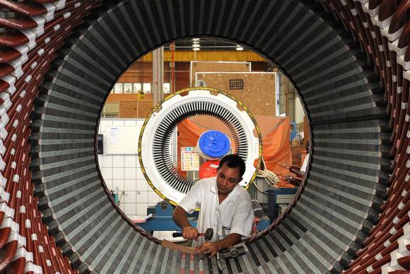 Dados do IBGE mostram que a indústria avançou 4,9% no quarto trimestre de 2017, em relação ao mesmo período do ano anterior. Crédito: Wilson Dias/Agência Brasil