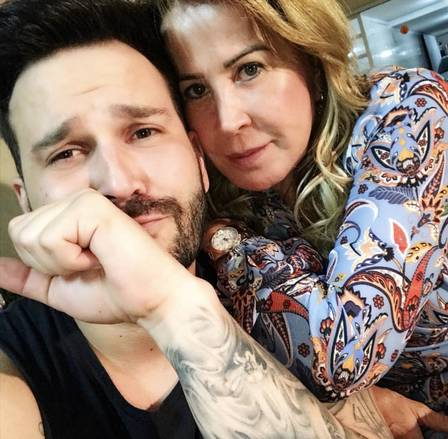 Zilu assume namoro com o fotógrafo Marco Ruggiero. Crédito: Instagram / Zilu Camargo