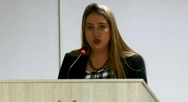 Suplente de vereadora suspeita de 'rachid' toma posse na Câmara de Linhares