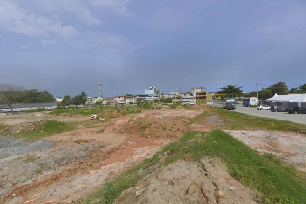 Área destinada ao Parque Tecnológico, em Goiabeiras: descampado aguarda decisões sobre uso do espaço. Crédito: Vitor Jubini | AG