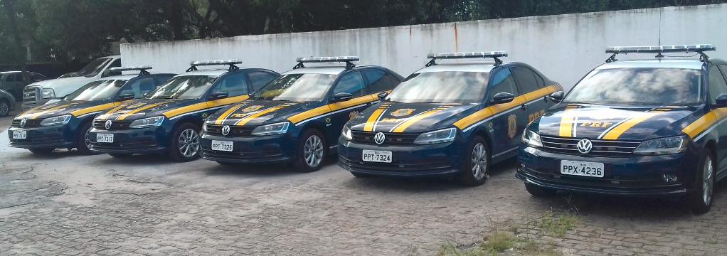 Os cinco carros da Polícia Rodoviária Federal que foram blindados. Crédito: Divulgação