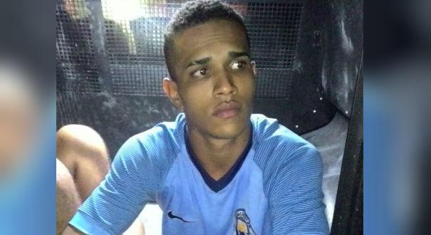 Jefferson Santos Oliveira de 21 anos, foi detido após assaltar universitária. Crédito: Divulgação / GMV