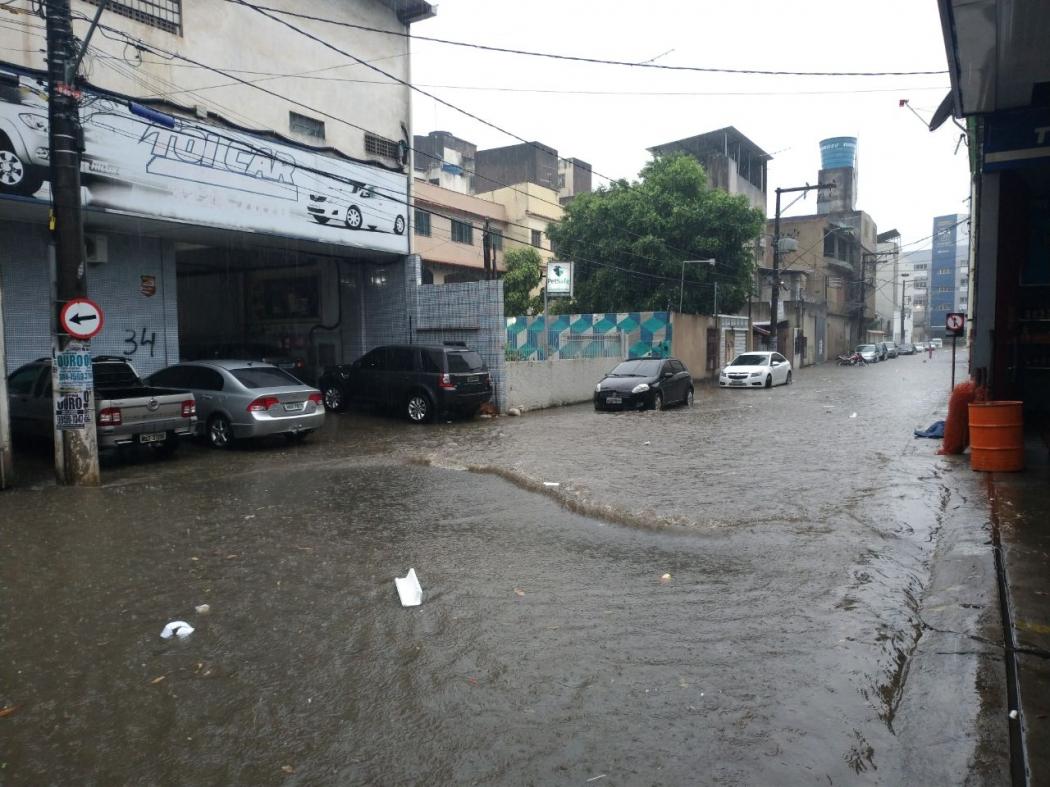 Chuva alaga ruas da região de Campo Grande, em Cariacica. Crédito: Rafael Monteiro de Barros