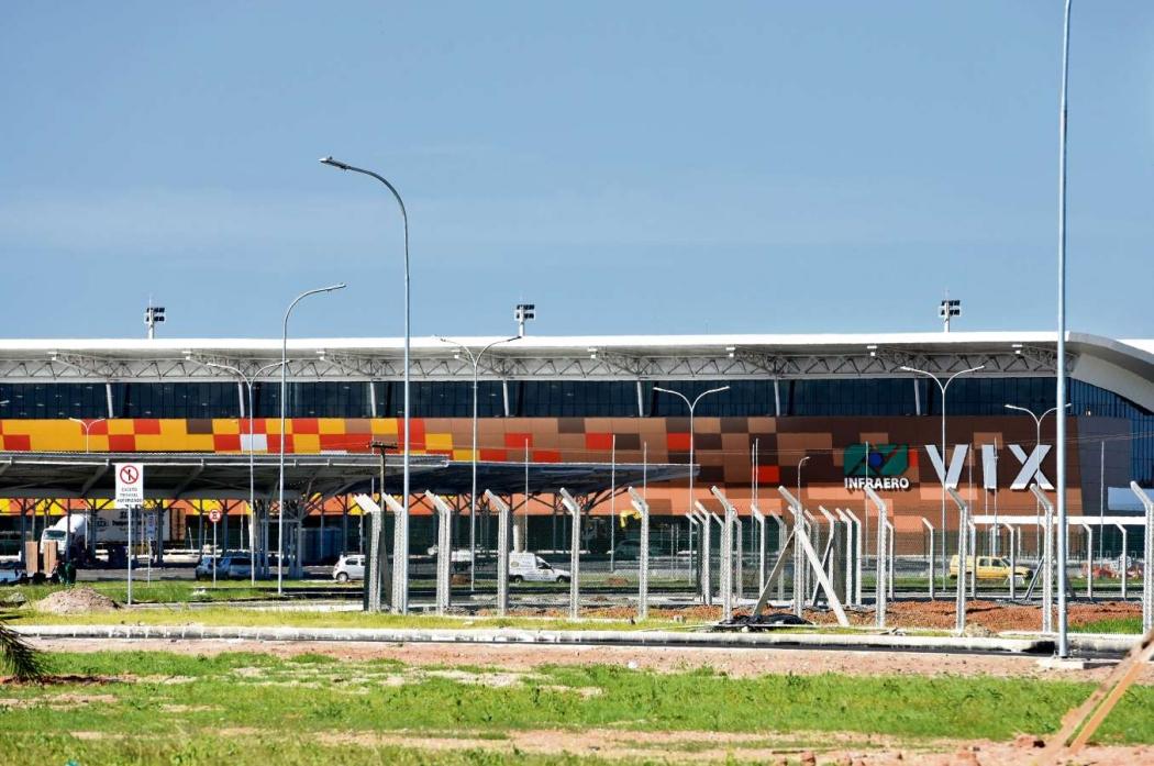 Aeroporto De Vitoria : Nova estrutura do aeroporto de vitória abre com lojas