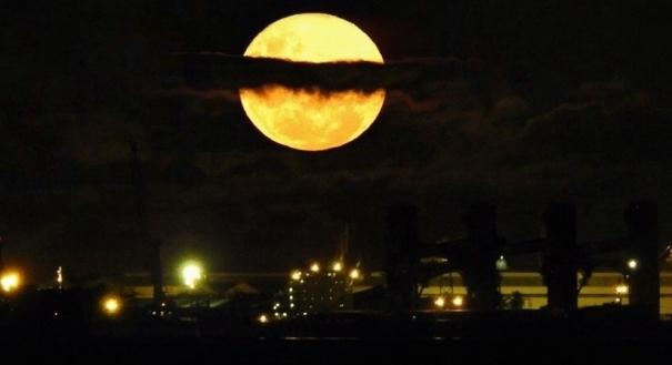Lua Azul ocorre na noite deste sábado (31)