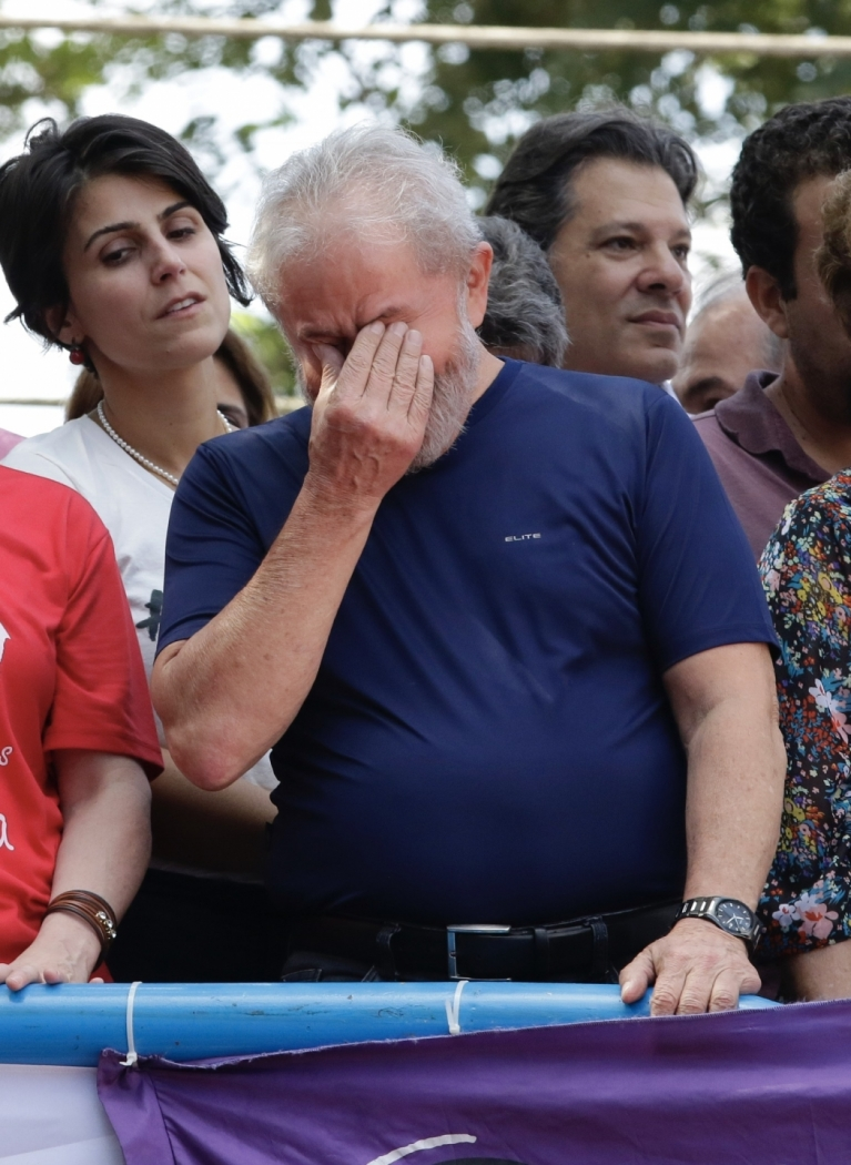 Lula durante ato em frente ao Sindicato dos Metalúrgicos do ABC. Crédito:  THIAGO BERNARDES/FRAMEPHOTO/AE