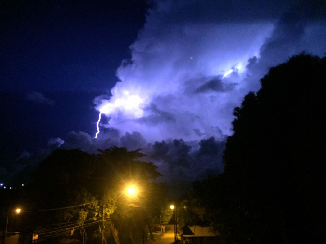 Tempestade com raios em Vila Prudêncio, Cariacica [imagem ilustrativa]. Crédito: Elias Gleyser