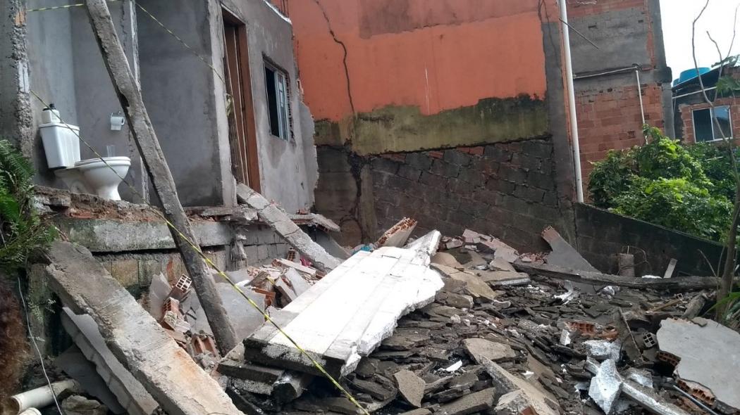 Casa desabou em Vila Velha. Crédito: Eduardo Dias