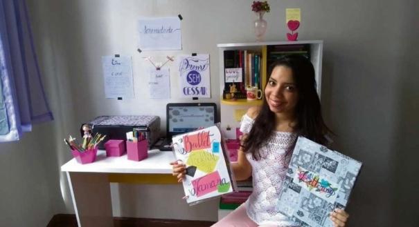 Tamara encontrou no lettering uma forma de relaxar no dia a dia. Ela até buscou cursos na Internet para se aperfeiçoar