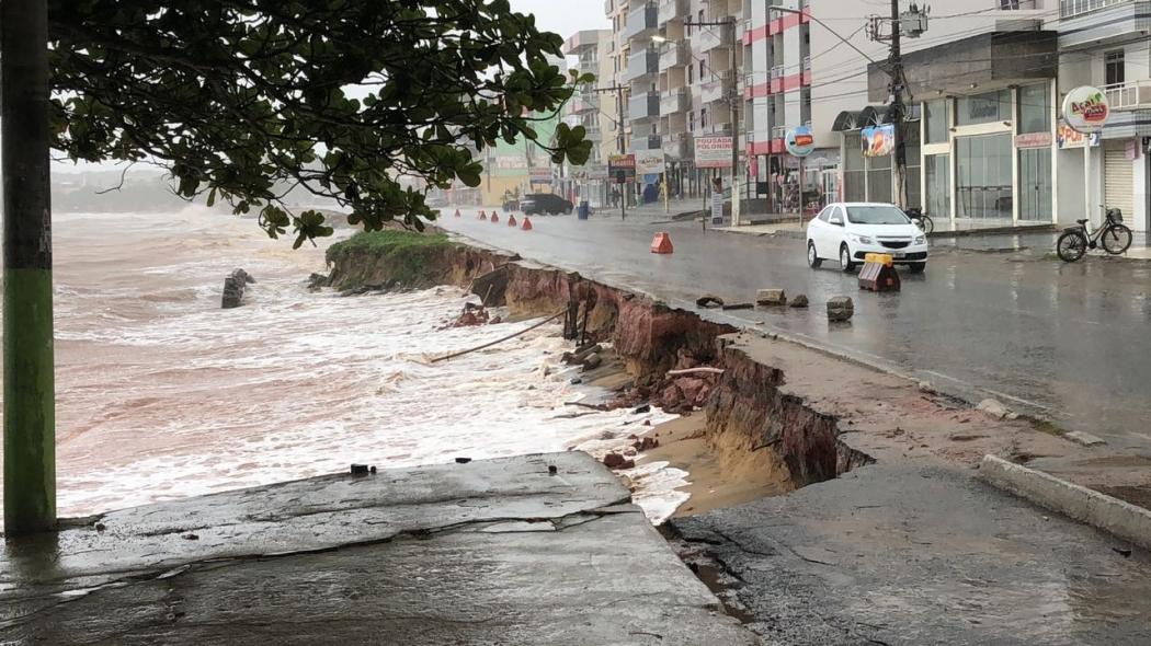 Internauta registrou destruição na orla de Piúma. Crédito: Aristóteles Sader Viana