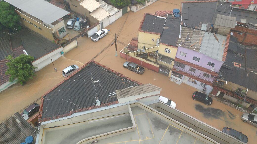 Ruas alagadas próximo ao Terminal de Vila Velha. Crédito: Ítalo Floresti Segrini