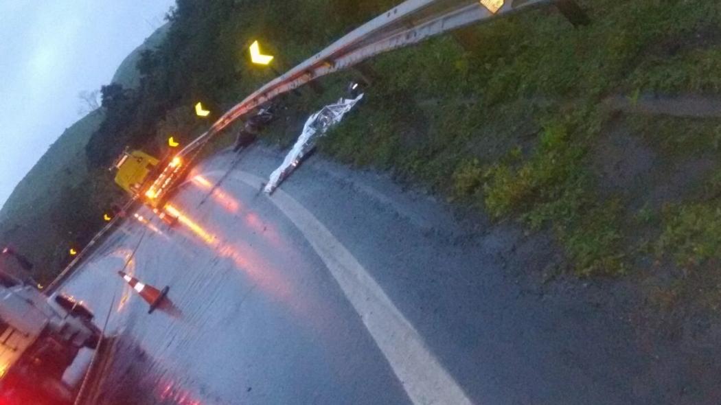 Motociclista morreu no local, na BR 101. Crédito: Internauta