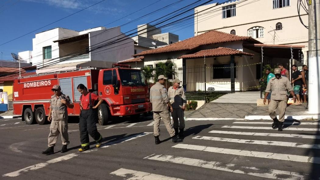 Incêndio em quarto em residência, em Linhares, deixa duas crianças mortas. Crédito: Kaio Henrique   TV Gazeta
