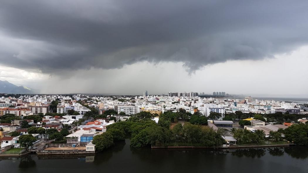 Temperaturas amenas e chuvas descartadas; confira previsão do tempo para BH