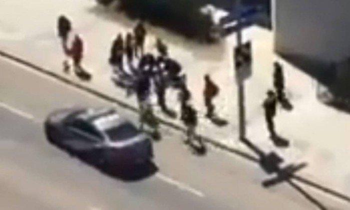 Motorista que atropelou grupo em Toronto está sob custódia