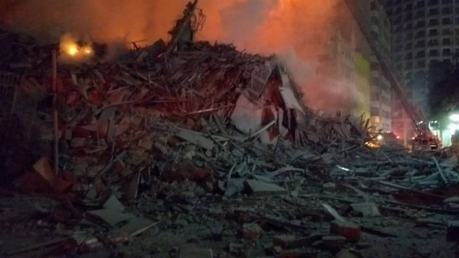 Escombros do prédio que desabou durante incêndio no Largo do Paissandu . Crédito: Corpo de Bombeiros de São Paulo