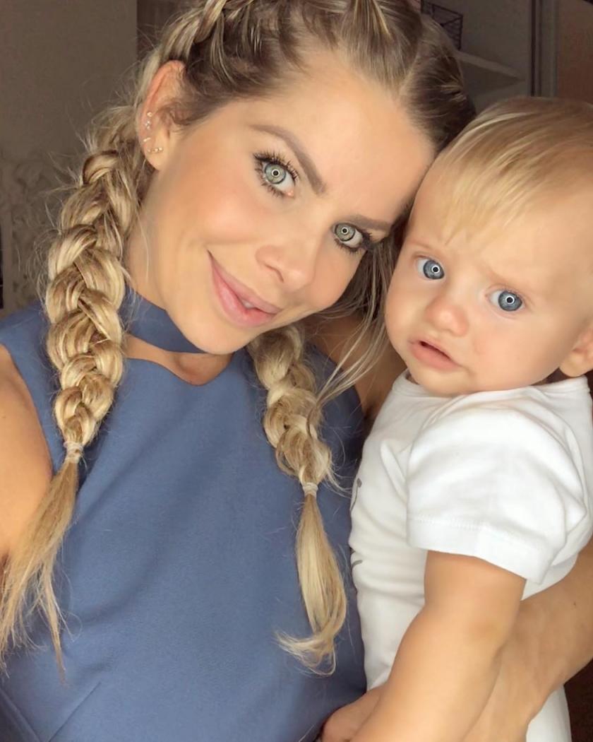Karina Bacchi e o filho. Crédito: Reprodução/Instagram @karinabacchi