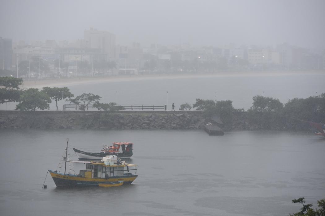 Chuva em Vitória tem acumulado de 18,5 milímetros em intervalo de 24 horas. Crédito: Carlos Alberto Silva | GZ