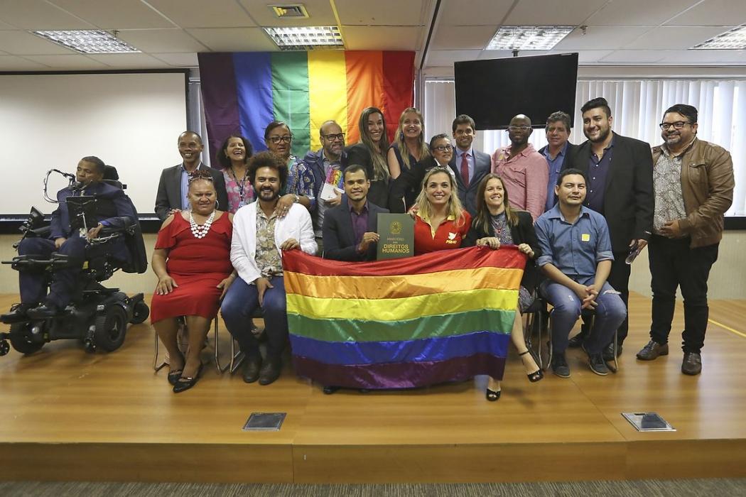 O secretário-executivo do Ministério dos Direitos Humanos, Engels Augusto Muniz, participa do lançamento do Pacto Nacional de Enfrentamento à LGBTfobia. Crédito: Valter Campanato/Agência Brasil