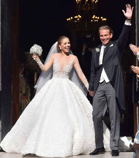 4d3f326d4 Conheça algumas das celebridades que usaram os vestidos de noivas mais caros  da historia