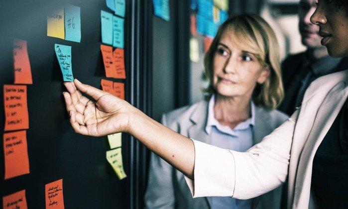 Estudos mostram que a maior participação das mulheres no mercado de trabalho estimula crescimento da economia  . Crédito: Pixabay